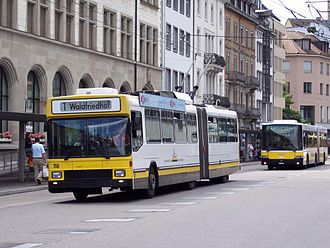 Trolleybuses in Schaffhausen - BGT 5-25 no. 118 opposite the Schaffhausen railway station, 2005.