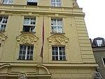 Scholastikahaus München, rechte Fenster - Ledererstraße.jpg
