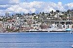 Seattle - seaplane ascending, seen from west shore of Lake Union - 03.jpg