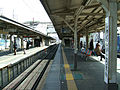 Seibu-railway-Shakujii-koen-station-platform-20080304.jpg