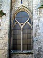 Senlis (60), ancienne église St-Aignan, baie gothique au rdc du clocher roman.jpg