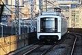 Seoul Metro Line 2 train arriving at Guro Digital Complex (2-14 new).jpg