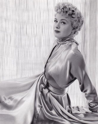 Shelley Winters - Image: Shelley Winters by John Engstead