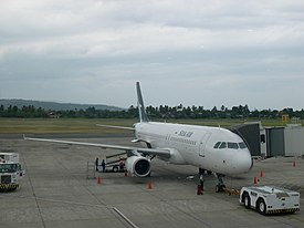 SilkAir A320-232 (9V-SLF) at Francisco Bangoy International Airport.jpg