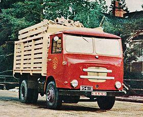 foto marca sisu finlandia 280px-Sisu_KB-24_firewood_small