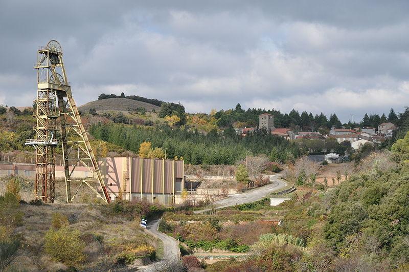 File:Site puits Castan.JPG