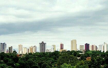 Panorama geral da cidade, visto do Rio Paraná (fronteira com o Paraguai)