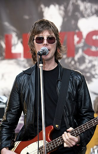 Sloan (band) - Chris Murphy of Sloan performing at South by Southwest (2007).