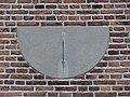 Soest - Zonnewijzer op de muur van de Oude Kerk aan de Torenstraat.jpg