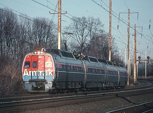 Metroliner (train) - A southbound Metroliner at Bowie, Maryland in 1980