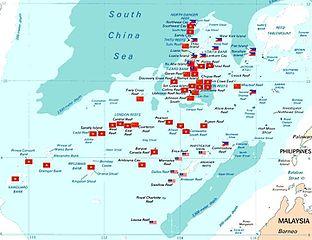 Karte der Spratly-Inseln mit offiziellen Okkupationen