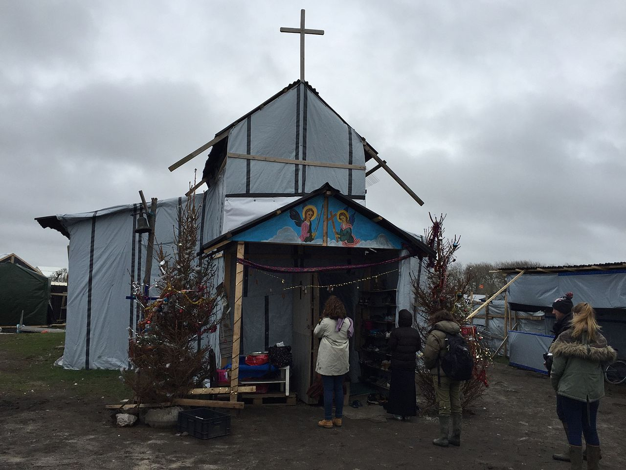St Michaels Church, Calais Jungle entrance.jpg