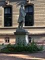 Statue de Victor de Laprade - jardin de la préfecture du Rhône (Lyon).jpg