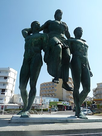Statue of Diagoras of Rhodes carried by his sons, Rhodes.jpg