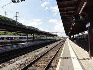 Stein, Aargau - Bahnhof Stein-Säckingen, Bahnsteige Richtung Rheinfelden (2012).JPG