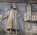 Stifterfigur mit Bamberger Dom.jpg