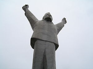Stjepan Filipović - Monument to Filipović in Valjevo