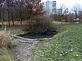 Stodůlky, Centrální park, jezírko na začátku umělého meandru.jpg