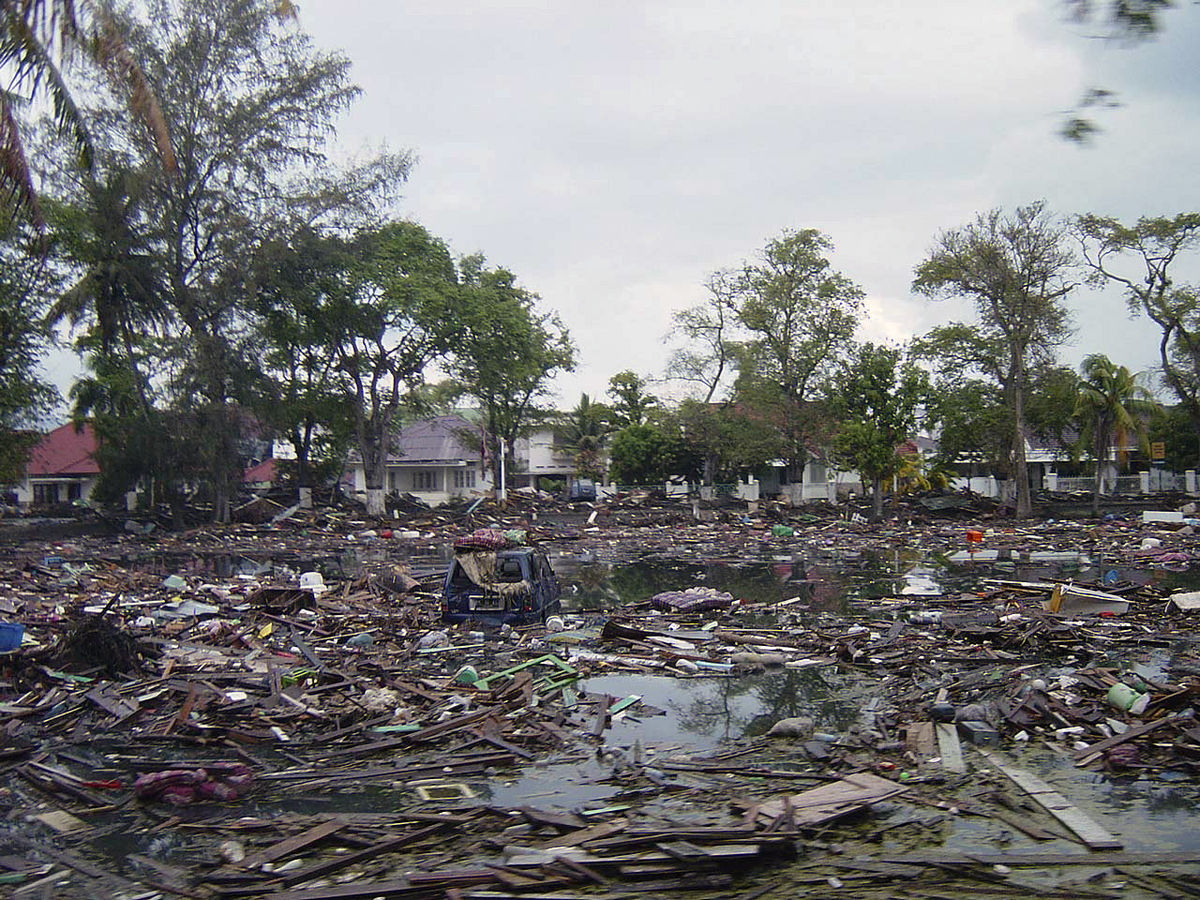 File Street In Downtown Banda Aceh After 2004 Tsunami Dd Sd 06 07366 Jpeg Wikimedia Commons
