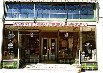 Miami, Arizona - Image: Sullivan Street Glass & Antiqueables (Miami, AZ)