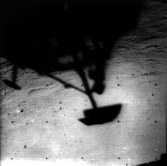Surveyor 1 - Image: Surveyor 1 shadow lunarsurface