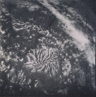 Actinoform cloud - Image: TIROS 5 radial clouds monthly review (April 1965)