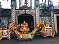 Temple along the Red River in Hanoi 05.jpg