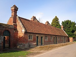 Mapledurham - Image: The Almshouses, Mapledurham geograph.org.uk 1234329