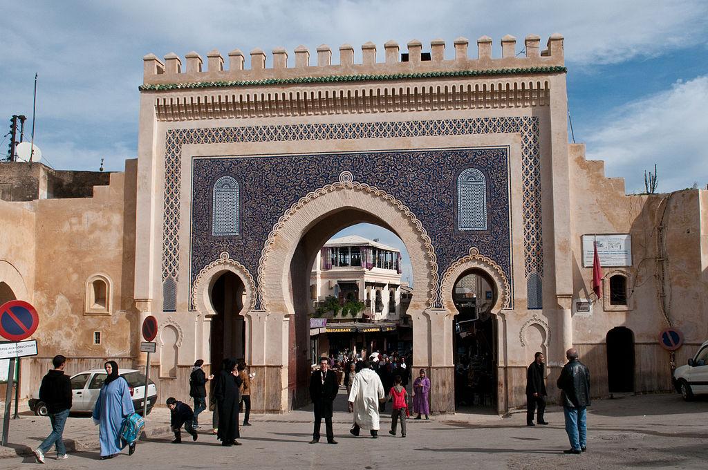 Porte Bab Boujoud à Fès aussi appelé la Porte Bleue. Photo de Michal Osmenda