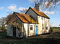 The Waveney Valley Line - a former crossing keeper's cottage - geograph.org.uk - 1595964.jpg