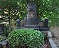 Theo Blum -grave.jpg