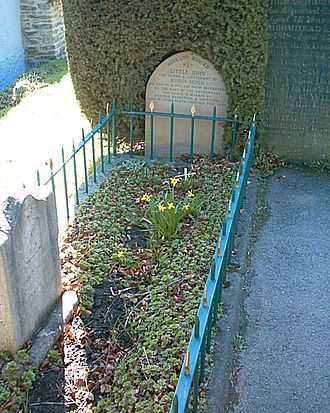 Little John - Little John's grave in St Michael's Church graveyard, Hathersage