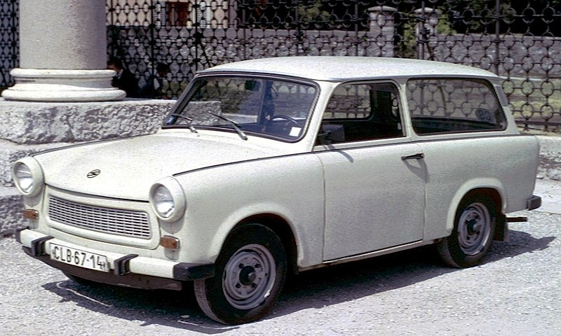 http://upload.wikimedia.org/wikipedia/commons/thumb/3/36/Trabant_601_Estate.jpg/800px-Trabant_601_Estate.jpg