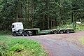 Tracteur routier semi-remorque porte-engin forestier.jpg