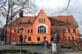 Trzcianka Town Hall south 2011-03.jpg
