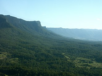 Tweed River (New South Wales) - Upper Tweed Valley showing the caldera wall
