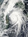 Typhoon Kompasu 2010-09-01 0450Z.jpg