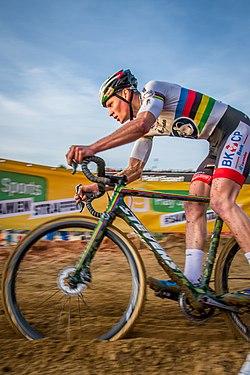 UCI CX WC Heusen Zolder 2015 IMG 0982 (24676374846).jpg