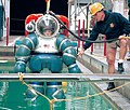 US Navy 000310-N-4309A-008 Inside the Advanced Diving Suite.jpg