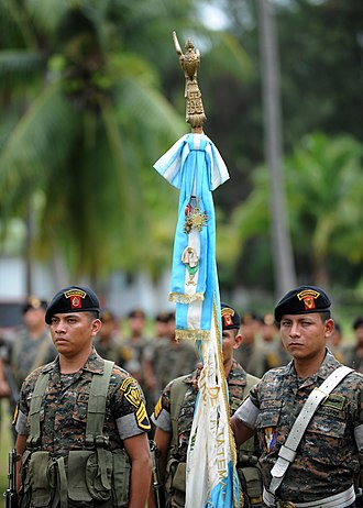 Armed Forces of Guatemala - Members of the Parachute Brigade of the Guatemalan army in Puerto San José.