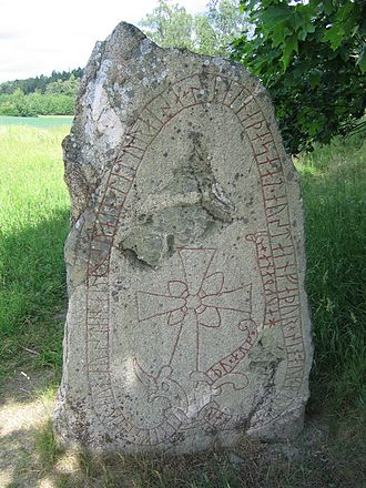Broby bro Runestones - U 135