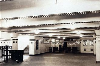 Uruguay (Buenos Aires Underground) - Image: Uruguay (hall, 1931)