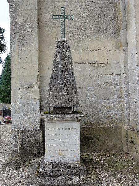Verneuil-sous-Coucy (Aisne) mémorial mousquetaire de la Reine