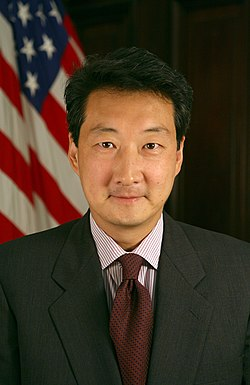 Victor Cha official portrait.jpg