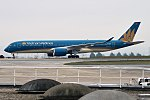 Vietnam Airlines, VN-A894, Airbus A350-941 (40643642971).jpg