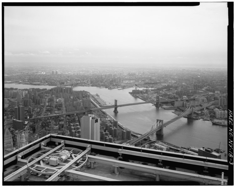 File:View looking E from top of World Trade Tower with World Trade Tower parapet in foreground. Jet Lowe, photographer, 1982. - Brooklyn Bridge, Spanning East River between Park Row, HAER NY,31-NEYO,90-3.tif