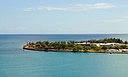 Вид на песчаный остров с башни Алоха