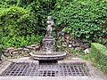 Villa san michele, giardino ovest, statua 01.JPG