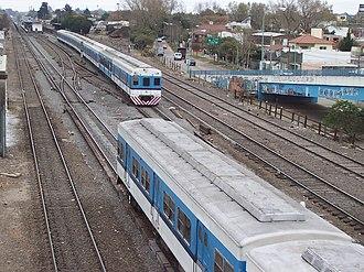 Trenes de Buenos Aires - Image: Vista Aérea Ferrocarril Sarmiento Ciudad de Merlo