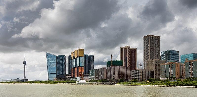File:Vista de los casinos desde el Centro de Ciencia, Macao, 2013-08-08, DD 01.jpg